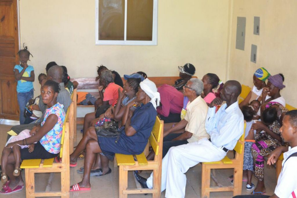 Haiti people are waiting for treatment